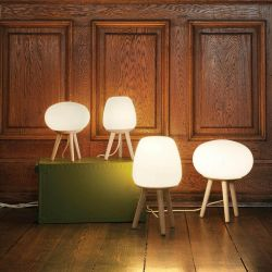 Happy bordlampe - Opal/lyst træ