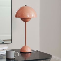 Flowerpot VP3 bordlampe - Beige Red