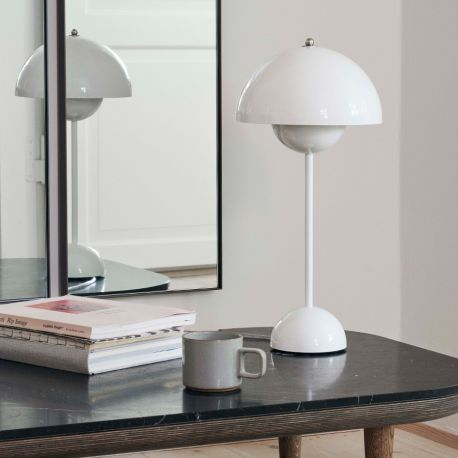 verner panton flowerpot vp3 bordlampe white lys. Black Bedroom Furniture Sets. Home Design Ideas