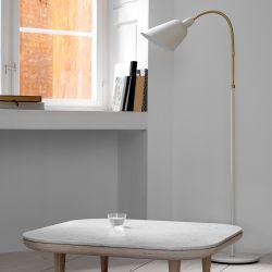 Arne Jacobsen Bellevue gulvlampe AJ7 - Hvid/messing