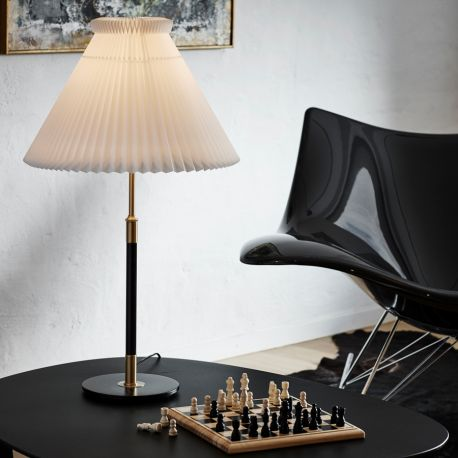 Le Klint 352 bordlampe - Messing/sort