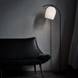 Le Klint Arc gulvlampe - Sort/sort eg
