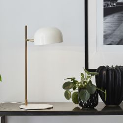 Markslöjd Pose bordlampe - Hvid/børstet messing
