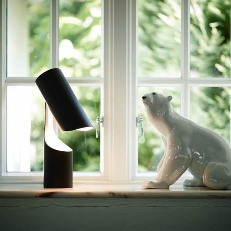 Le Klint Mutatio bordlampe i vindueskarm