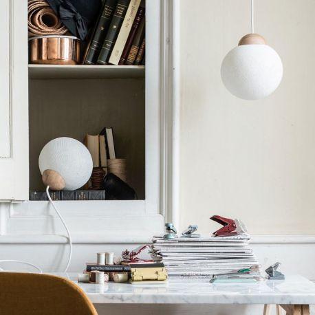 YarnBomb by Tine Mouritsen - Small - Pendel/bordlampe